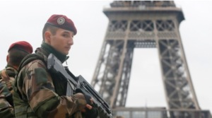 Soldier & Eiffel Tower, #JeSuisCharlie